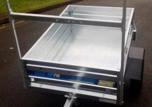 medium sized trailer open top